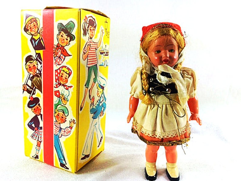 Vintage Windup Dancing Doll Sweetheart 1960s image 0