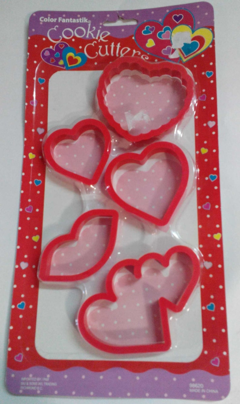 Hearts /& Lips Plastic 5 pieces Vintage Cookie Cutters,Valentines