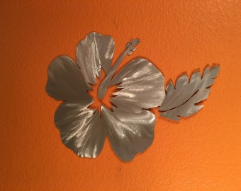 Floral Hawaiian Hibiscus Flower Metal Wall Art Beach House Decor Surfing Ocean Handcrafted Aluminum Artwork Tropical Leaf Hawaii Gift Idea