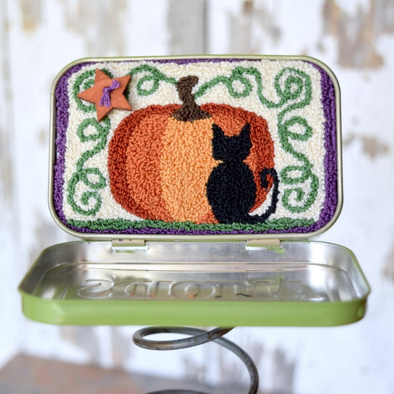 Of Pumpkins and Meows Punch Needle Kit image 0