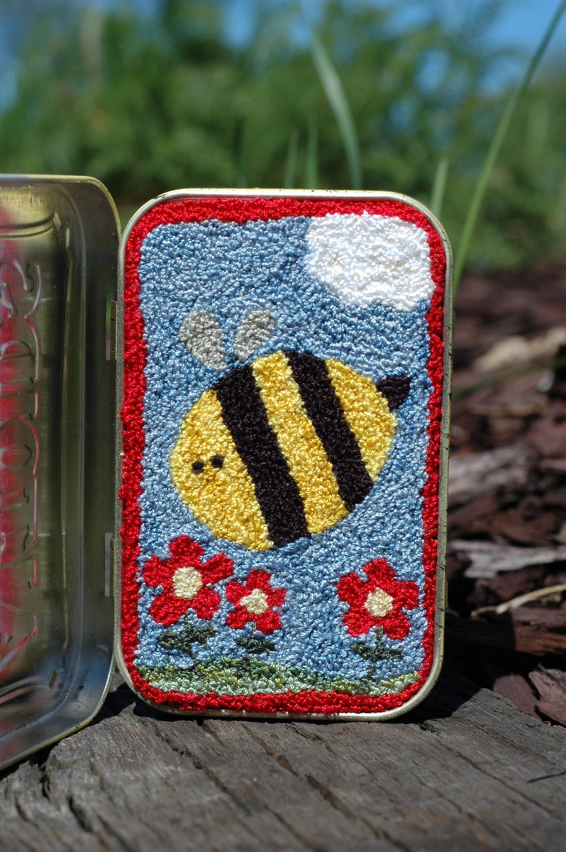 Just Bee-Cause Punch Needle Kit image 0