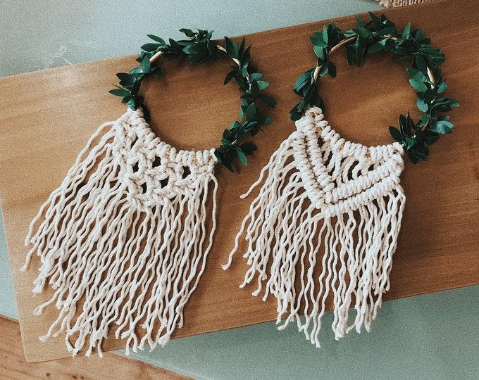 Macrame Ornament / Mini Macrame Wreath / White Fringe Christmas Ornament