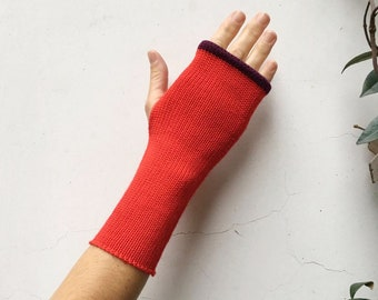 880f42cabbae35 Grundlegende rote Ärmel-fingerlose Handschuhe, fingerlose Handschuhe,  gestrickte Armstulpen, beheizt-Handgelenk rot, Perlen lila, Einheitsgröße  passt für ...