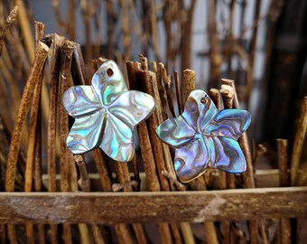 4 Pieces 17mm Abalone Shell Flower Pendant Carved Paua Shell Plumeria Flower Beads