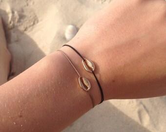 Herlin bracelet cordon - Gold seashell bracelet black and sandy beige