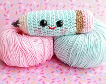Pencil crochet amigurumi for a kawaii to your office or kids room decor