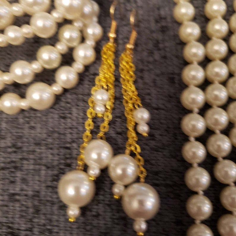 and multiple round bracelet Pearl necklace earrings