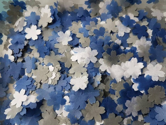 1200 MEDIUM WHITE /& NAVY BLUE   SCALLOPED HEART WEDDING THROWING CONFETTI.
