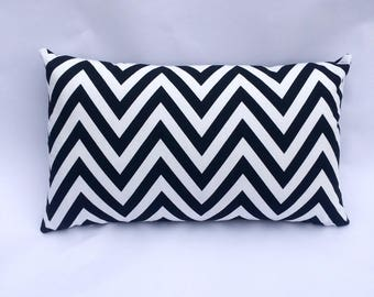 Graphic 50 x 30 black and white Chevron pillow