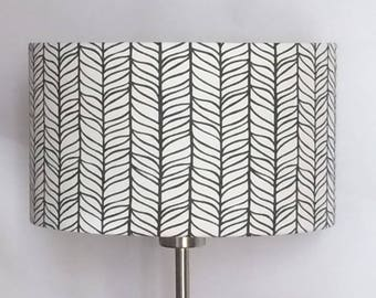 Cylindrical Lampshade Ø 28 cm graphic black and white leaves