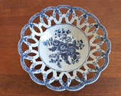 Royal Worcester Bow 18th century 39 Dr Wall 39 period, a large reticulated weave basket in blue and white small blue flowers in transfer print