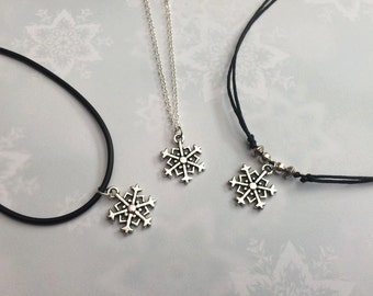 Snowflake Necklace, Snowflake Choker, Christmas Charm Choker, Winter Festive Necklace, Gift for Her, Holiday Gift, Winter Choker