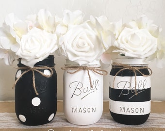 Black and White Mason Jar Centerpieces, Distressed Mason Jars, Rustic Home Decor, Painted Ball Jars, Baby Shower, Mason Jar Decor