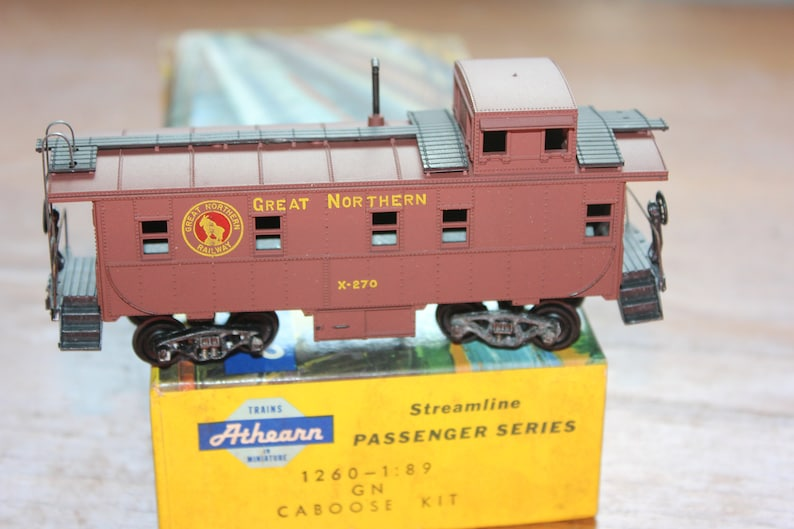 Athearn Model Railroad Caboose Car -- Great Northern -- HO Scale -- Car,  Train, Freighter