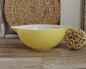 15 OFF Vintage Yellow Pyrex Nesting Bowl 443 Retro Ovenware Cookware Glass 2.5 Quart Pyrex Bowl