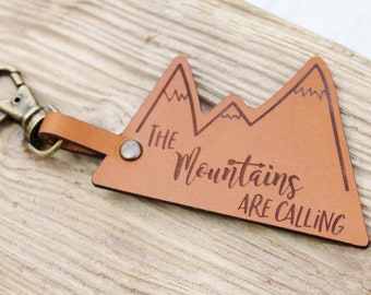 Mountains Are Calling - Travel Keyring Hiking Leather Keychain - Quote Traveller Wanderlust