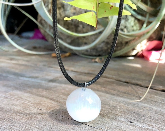 Selenite pearl necklace