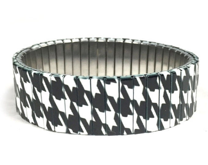 Houndstooth stretch bracelet made of repurposed stainless steel watch band