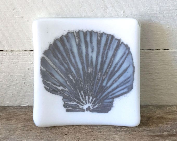Glass dish, seashell design, reactive glass powder design, gift for friends