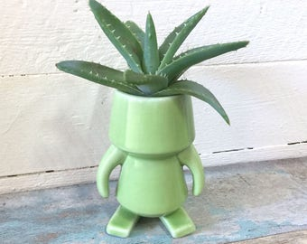 """ROBOT made of Ceramic, Green, 4"""" tall, decorative figurine, pottery, quirky, gift for friend"""