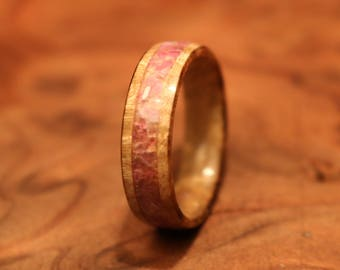 Wood ring, Amethyst Ring, Bay leaf Burl Ring with crushed amethyst stone Inlay, Handmade Wooden Band, Stone, Bay leaf Ring, Solid Wood Ring