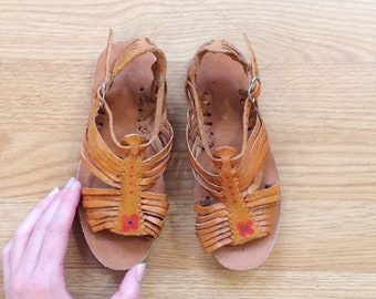 92a026be0 Vintage kids huaraches girls leather sandals