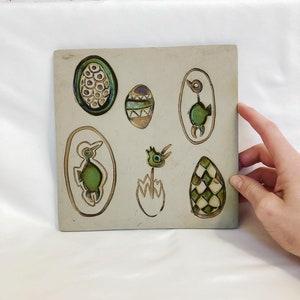 Bennington Pottery Cooperative Ceramic Art Tile Vermont Easter Eggs Design 1535