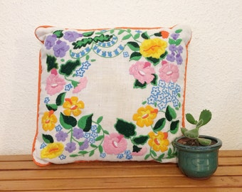 Vintage embroidered pillow/70s crewel decorative cushion