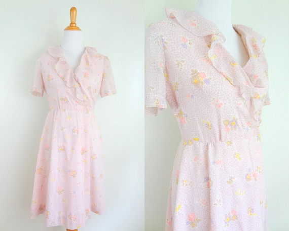 Vintage 40s Pink Floral Ruffle Neck Wrap Front Rom