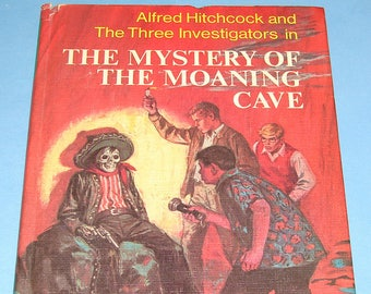Three Investigators #10 Mystery of Moaning Cave HB