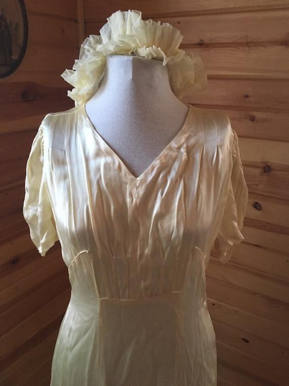 1930s/40s Buttercream Short Sleeved Wedding Dress