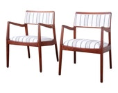 Jens Risom Mid-Century Modern Sculpted Walnut Playboy Lounge Chairs