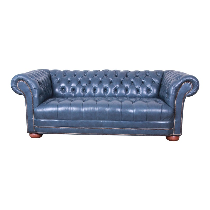 Pleasing Vintage Tufted Blue Leather Chesterfield Sofa Gmtry Best Dining Table And Chair Ideas Images Gmtryco