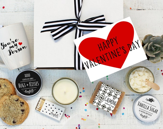 Happy Valentine's Day Gift Box - The Works |  Girlfriend Gift | Boyfriend  Gift | Hugs and Kisses Candle | Pamper Gift Set | Gift For Her