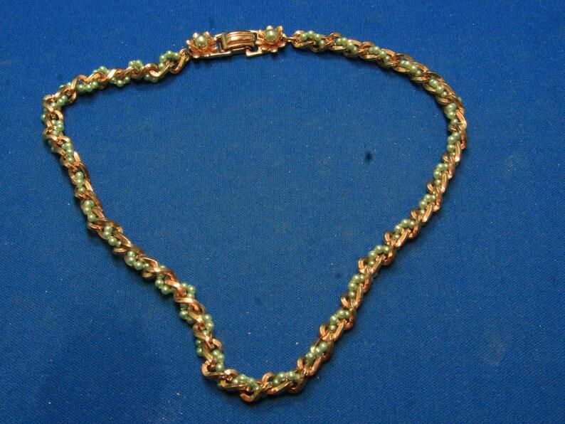 cc4c21cfa2d0 Vintage Barclay menta verde perla de semilla sintética dorado