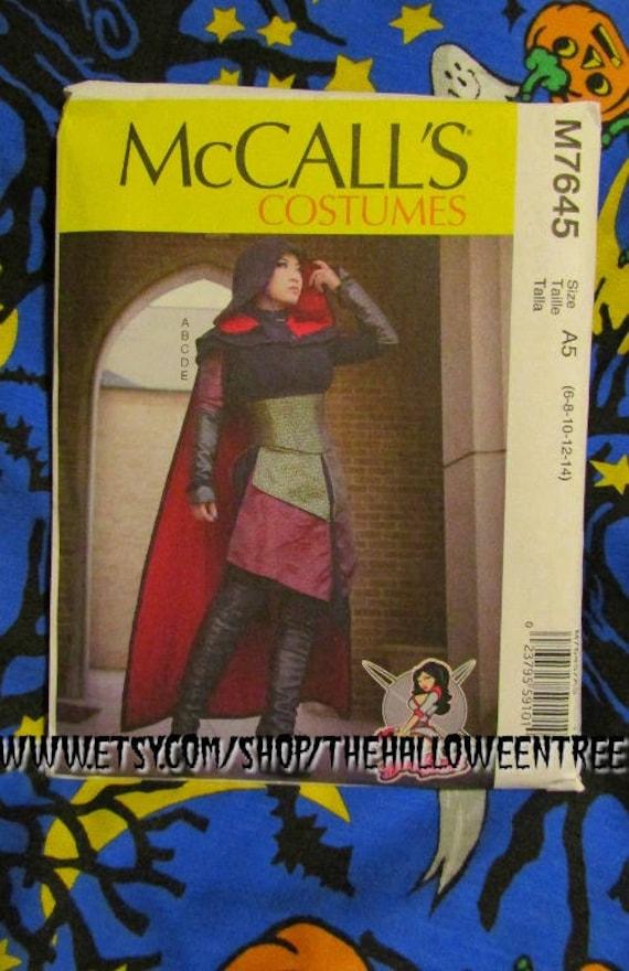 McCalls 7645 Misses Kleid Korsett Kapuze Cape Schnittmuster