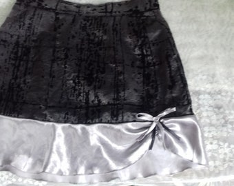 Running skirt black and silver silk-lined for girls of 12-15 handmade