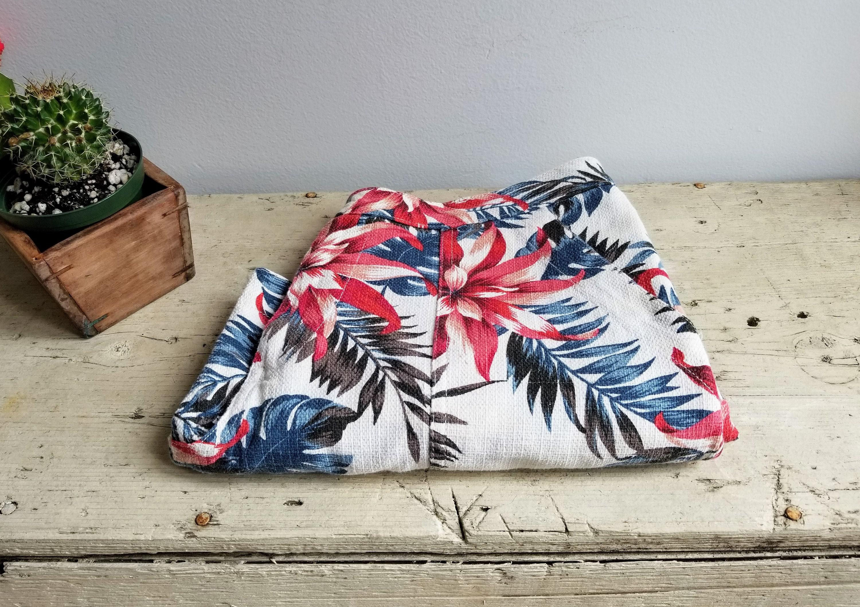 1e8b3d61 90's Floral Linen Shorts/Hawaiian Shorts/Beach | Etsy