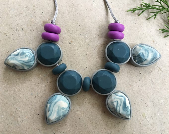 BOSS LADY BIB necklace// Handmade polymer clay  gemstone statement necklace// Little Tusk navy, white and fuchsia marbled bib// #SE1018