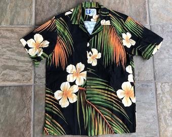 c3a67100 Vintage Camp Collar Black Hawaiian Short Sleeve Shirt | Small | Ivy League  Summer