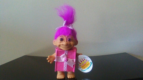 "Rare HAPPY BIRTHDAY GIRL 3/"" Russ Troll Doll NEW IN ORIGINAL WRAPPER"