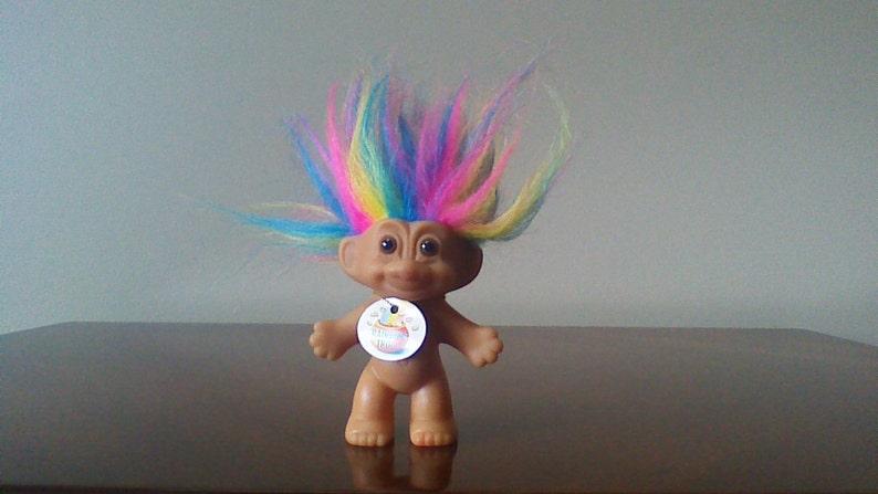 GOOD LUCK TROLL PIN NEW ON CARD Russ Troll Doll Rare