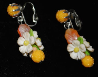 Vintage 70s daisy clip on EARRINGS rare 50s 60s retro cute 70s 90s sexy women costume crazy awesome hipster trendy beautiful htf vtg