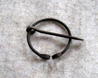 Small medieval Brooch, Reenactment, LARP, Cloak pin, Iron wire, fibula
