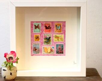 Vitrine de timbres découpés à la main illustrés de papillons, inspirée des boîtes à insectes entomologiques   Monde minuscule #17
