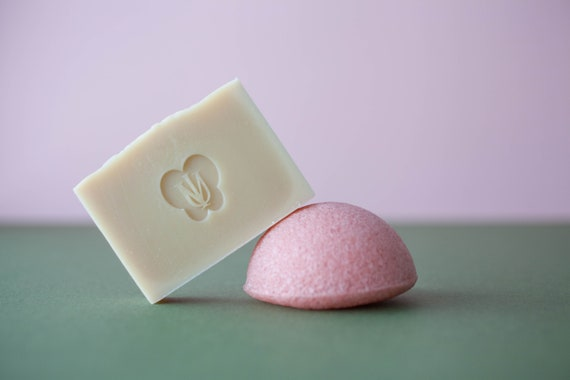 Konjac Rose Sponge + Colloidal Oatmeal Face Soap - Unscented