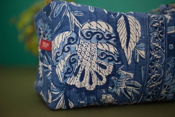 Anokhi Cotton Toiletries Bag - Large Size 25 x 12 x 13 cm - Hand Blocked Floral Print In Blue