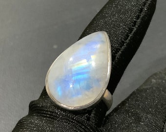 Vintage Beautiful Large 9.8ct Pear Rainbow Moonstone Sterling Silver 925 Ring Size 6.5