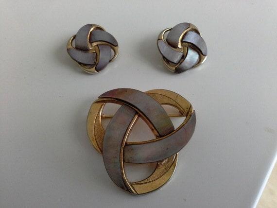 Germany Ges Gesch Brooch /& Earrings Mother of Pearl Modernist