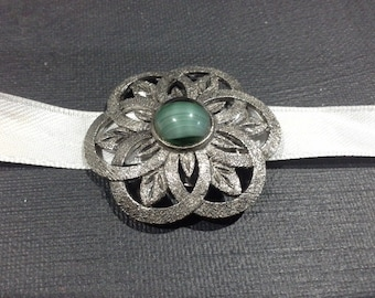 Silver Pewter Malachite Green Glass Cabochon Celtic Scarf Clip Stamped SR-928